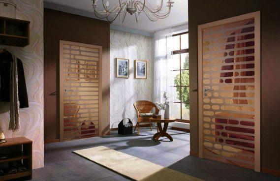 Межкомнатные двери AXIOMA из стекла и зеркала – современные технологии